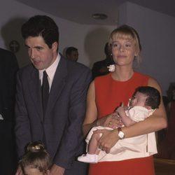 Belén Rueda y Daniel Écija con sus hijas Belén y María