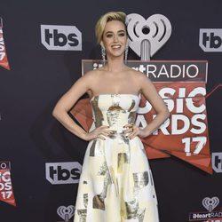 Katy Perry en la alfombra roja de los iHeartRadio Awards 2017