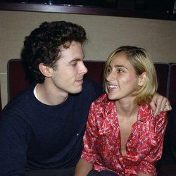 Casey Affleck y Summer Phoenix cuando comenzaron su relación