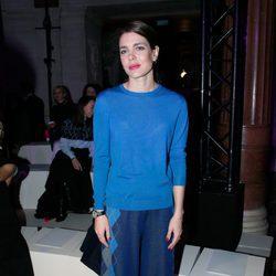 Carlota Casiraghi en el desfile de Stella McCartney en la Paris Fashion Week