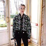 Carlota Casiraghi en el desfile de Giambattista Valli en la Paris Fashion Week