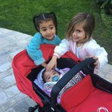 North West y Penelope Disick cuidando de Dream Reneé
