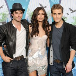 Ian Somerhalder, Nina Dobrev y Paul Wesley en los Teen Choice Awards