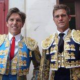 Manuel Díaz 'El Cordobés' y su hermano Julio Benítez antes de la corrida de Morón de la Frontera