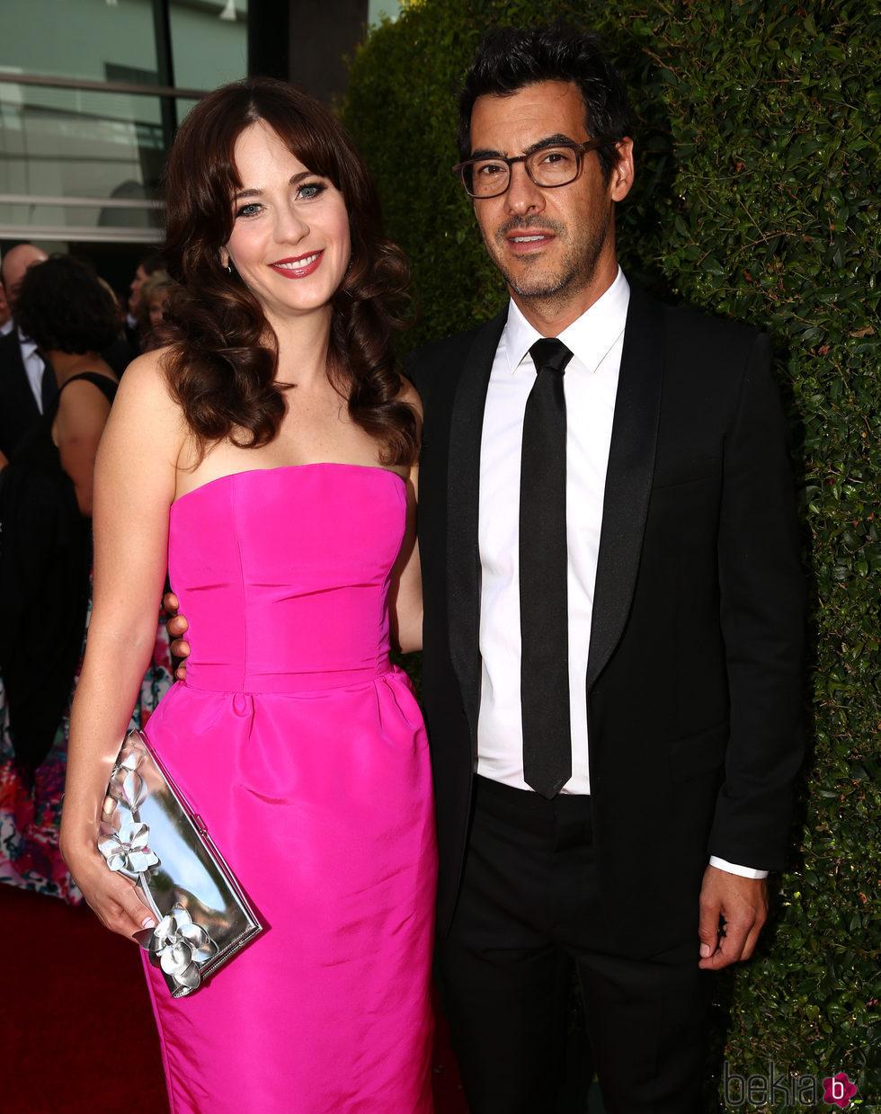 Zooey Deschanel y Jacob Pechenik en los Premios Emmy 2014