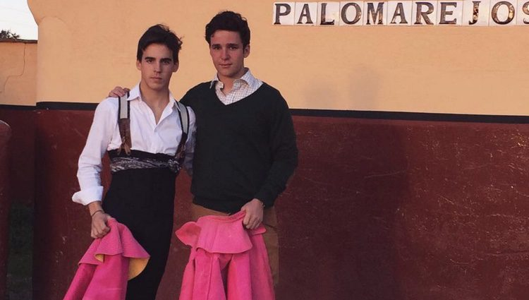 Froilán debuta como torero con su amigo Gonzalo Caballero