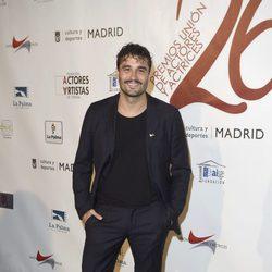 Álex García en la red carpet de la XXVI edición de los Premios de la Unión de Actores