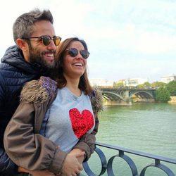 Roberto Leal y su mujer Sara Rubio en Sevilla