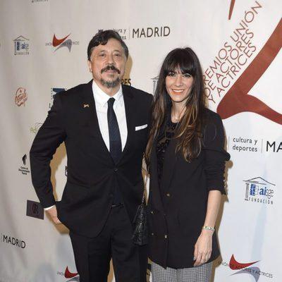 Carlos Bardem y Cecilia Gessa en la red carpet de la XXVI edición de los Premios de la Unión de Actores