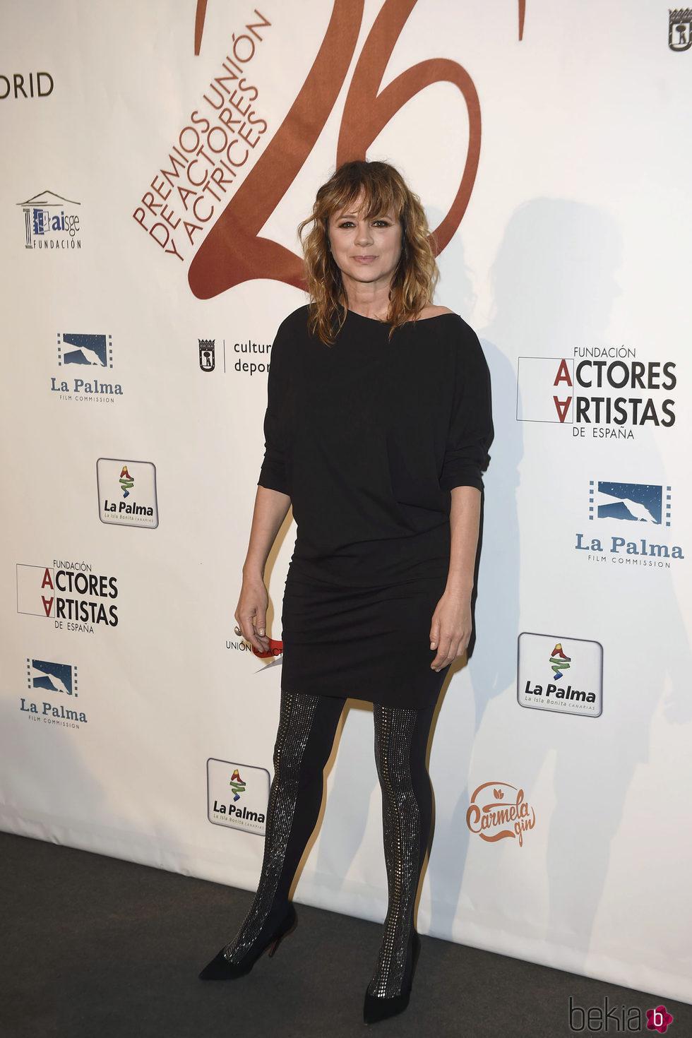 Emma Suárez  en la red carpet de la XXVI edición de los Premios de la Unión de Actores
