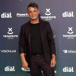 Alejandro Sanz en la alfombra roja de los Premios Cadena Dial 2017