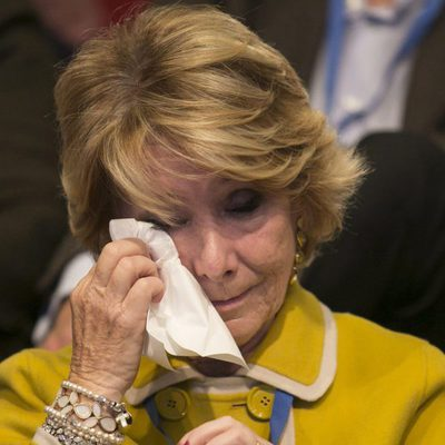 Esperanza Aguirre emocionada en el congreso de su despedida