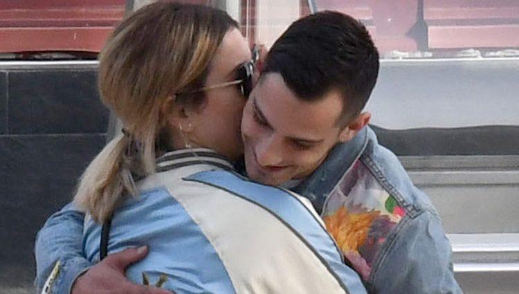 Blanca Suárez y Joel Bosqued abrazados en Málaga