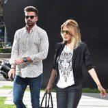 Ivonne Reyes y Sergio Ayala paseando por Madrid