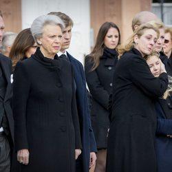 Benedicta de Dinamarca y sus hijos Gustavo y Alexandra en el funeral del Príncipe alemán Richard zu Sayn-Wittgenstein Berleburg