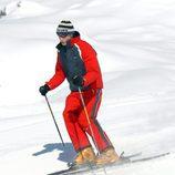 El Príncipe Guillermo esquiando