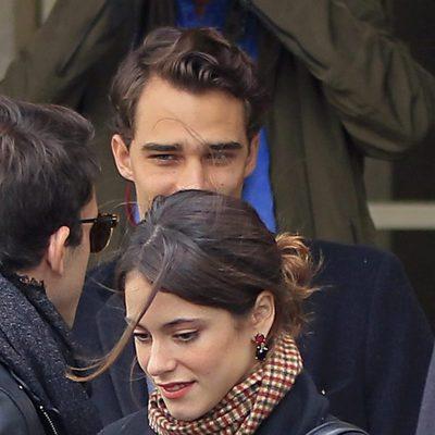 Tini Stoessel saliendo de su hotel de Madrid junto a Pepe Barroso Jr