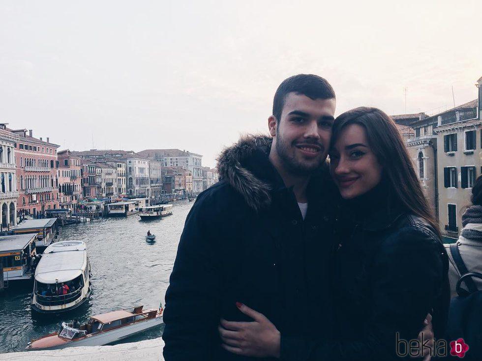 Pol y Adara ('GH 17') en los canales de Venecia