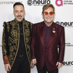 David Furnish con Elton John en la fiesta de su 70 cumpleaños