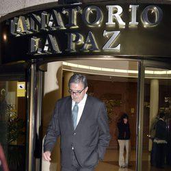 Carlos García Revenga en la capilla ardiente de Alicia de Borbón-Parma
