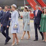 Matilde de Bélgica con Federico, Mary, Joaquín y Marie de Dinamarca al inicio de su Visita de Estado a Dinamarca