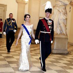 Joaquín y Marie de Dinamarca en la cena de Estado en honor a los Reyes de Bélgica