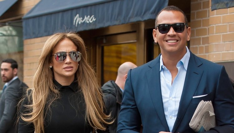 Alex Rodriguez y Jennifer Lopez de paseo