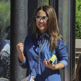 Paula Echevarría se divierte de paseo con su perro y su hija