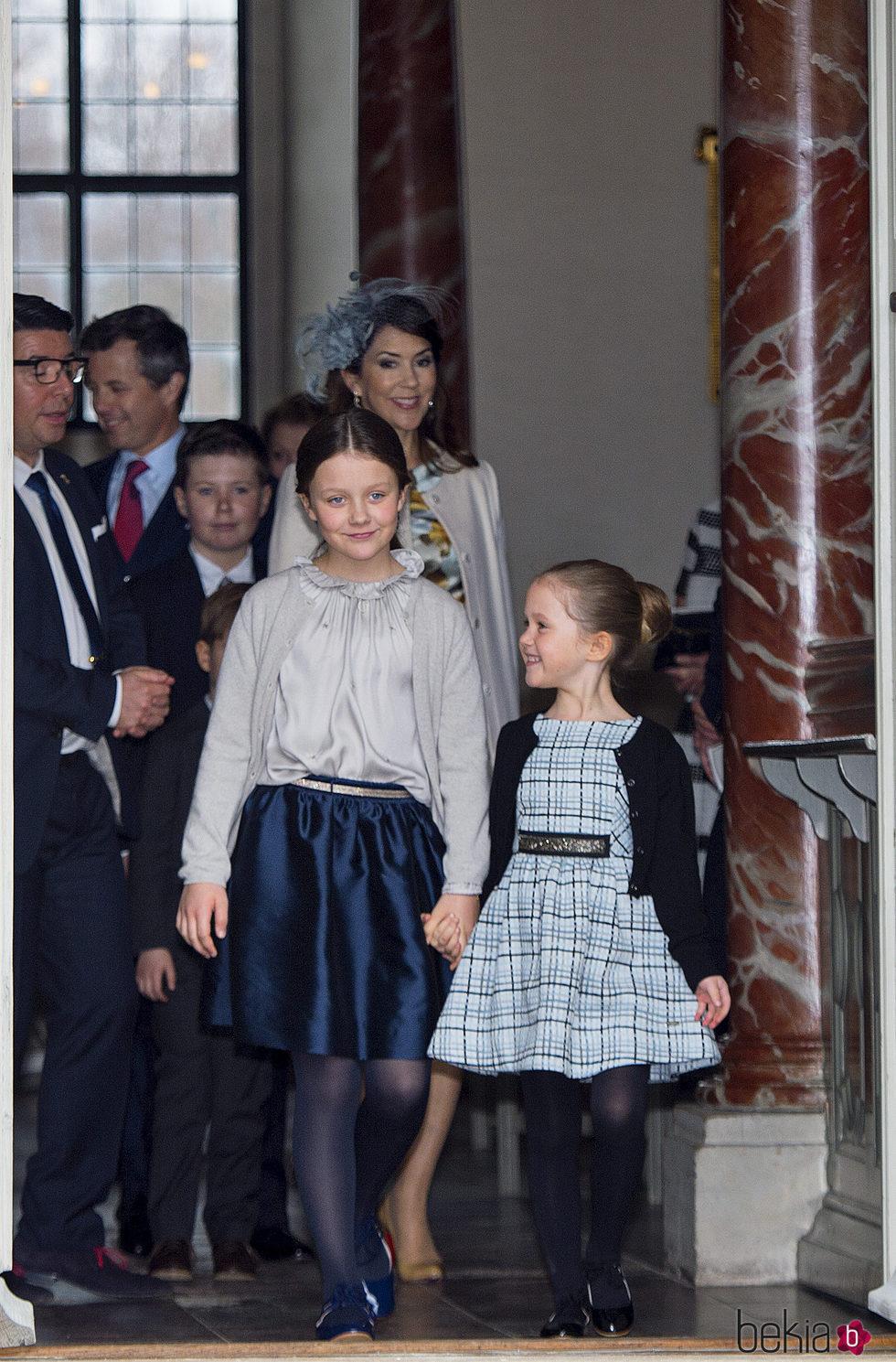 Isabel y Josefina de Dinamarca en la Confirmación de Félix de Dinamarca