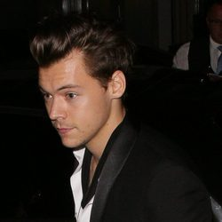Harry Styles saliendo del evento Antoher Man en Londres