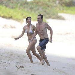 Cindy Crawford y su marido luciendo cuerpazo en las playas de San Bartolomé