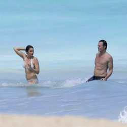 Cindy Crawford y Rande Gerber disfrutando de las aguas de San Bartolomé