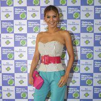 Ivonne Reyes posando como embajadora de la dieta de la alcachofa