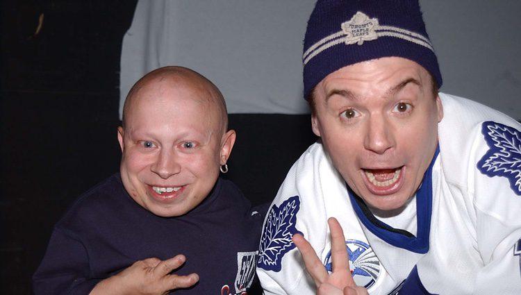 Verne Troyer y su compañero en 'Austin Powers' Mike Myers