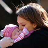 Jessica Alba se deshace en mimos con su hija Haven Garner