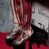 Detalle de los pies del disfraz de Halloween 2011 de Heidi Klum