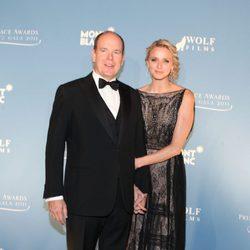 Los Príncipes Alberto y Charlene de Mónaco en los premios Princesa Grace en Nueva York