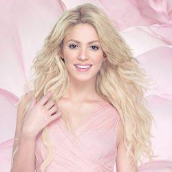 Shakira en una imagen promocional de su fragancia 'S by shakira'