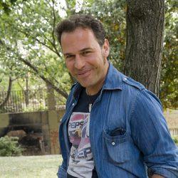 El presentador y actor Carlos Lozano