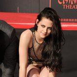 Kristen Stewart deja sus huellas en el Teatro Chino de Los Ángeles