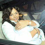 La novia de José Tomás, Isabel, con su hijo recién nacido