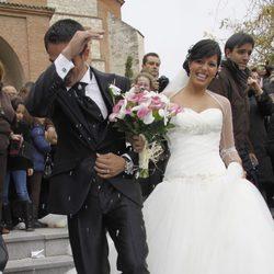 Alberto Contador y su mujer Macarena Pescador, felices tras su boda