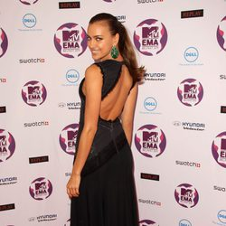 Irina Shayk muestra su vestido en los MTV Europe Music Awards 2011