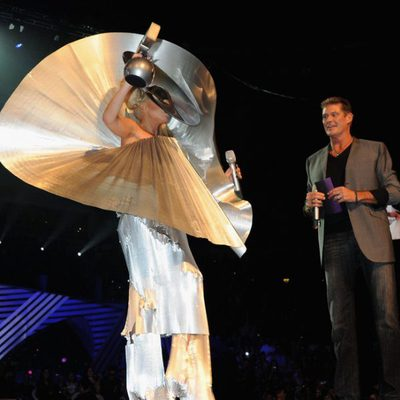 Lady Gaga y David Hasselhoff en la ceremonia de los MTV Europe Music Awards 2011
