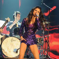 Selena Gomez durante su actuación en la entrega de los MTV Europe Music Awards 2011