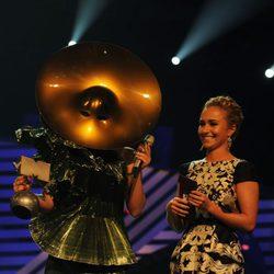 Hayden Panettiere y Lady Gaga en la ceremonia de los MTV Europe Music Awards 2011
