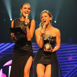 Irina Shayk y Bar Rafaeli en la gala de los MTV Europe Music Awards 2011