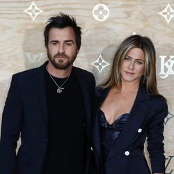 Jennifer Aniston y Justin Theroux en la fiesta de Louis Vuitton en París