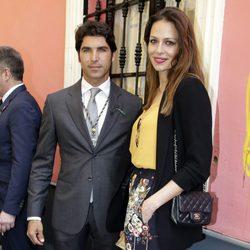 Cayetano Rivera y Eva González disfrutando del Jueves Santo 2017 en Sevilla