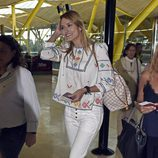 Alba Carrillo en el aeropuerto de Madrid